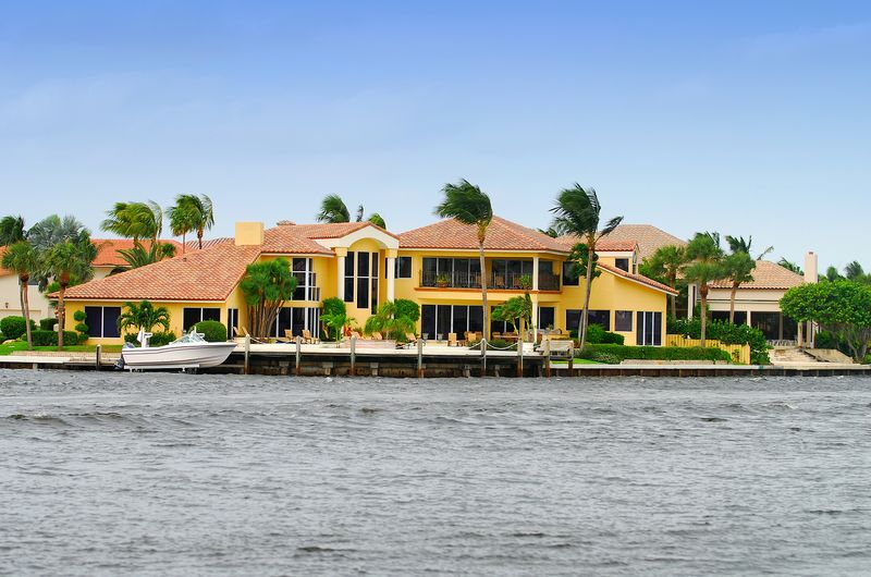 A few things to consider before purchasing waterfront property