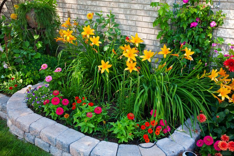 It's almost spring and time to plan the perfect flower bed