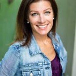 Sarah Maas