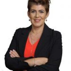 Paula Aquiles-Alves